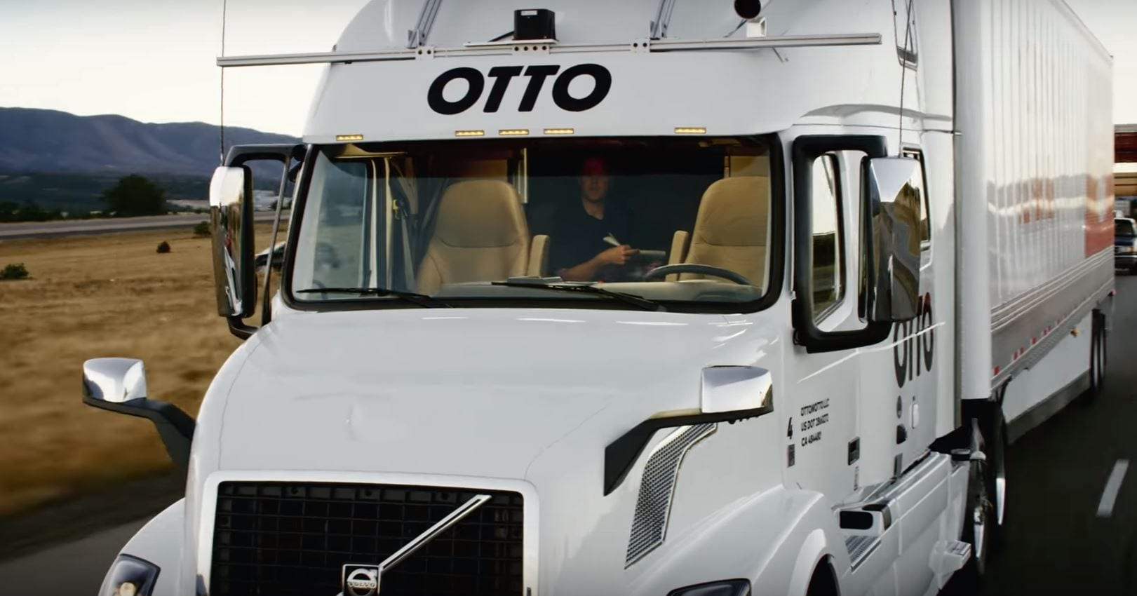 ubers otto makes budweiser beer run in self driving truck